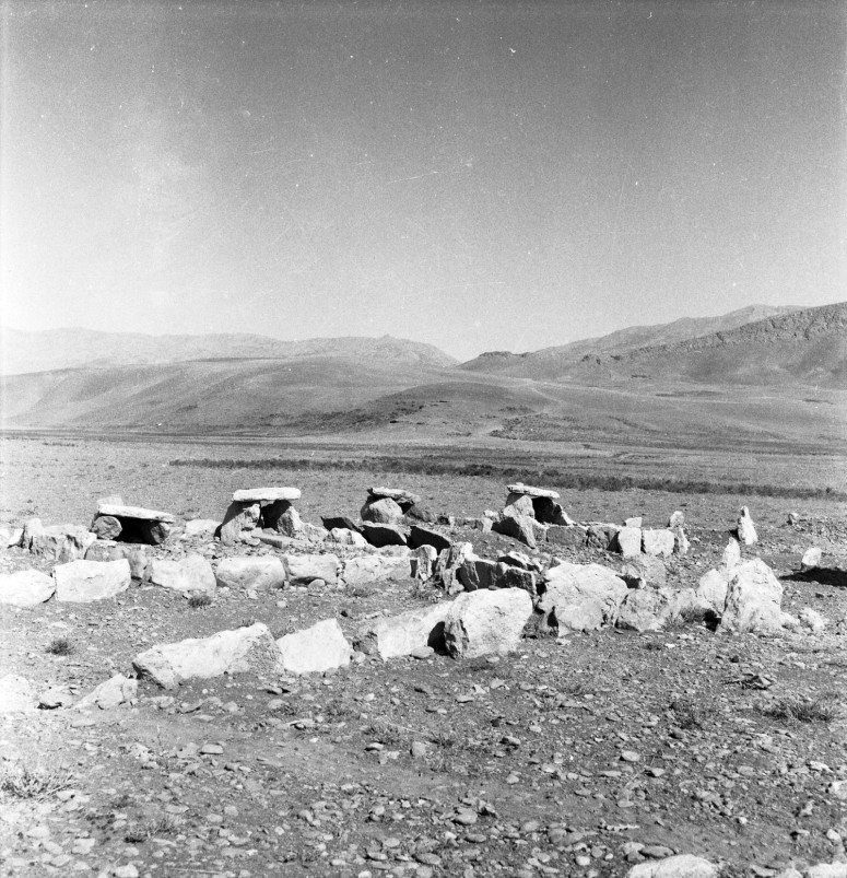 Dolmens dans la haute vallée du Zayandeh-roud