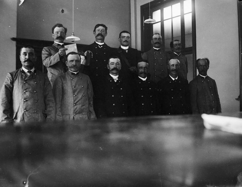 L'école préparatoire au concours de moustache