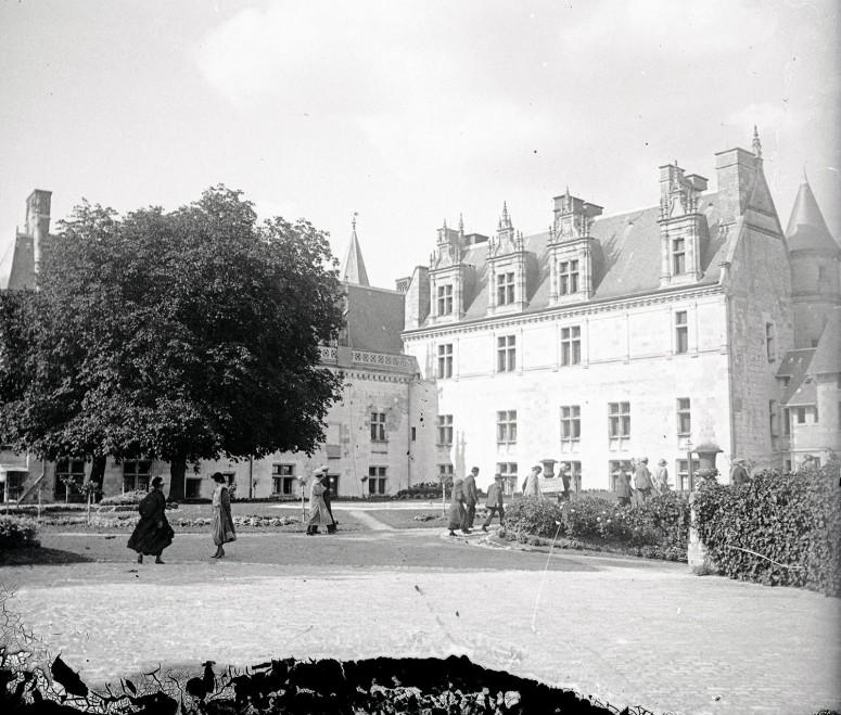 Château d'Amboise - cour intérieure