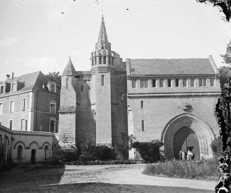 Tours, abbaye de Marmoutier, entrée