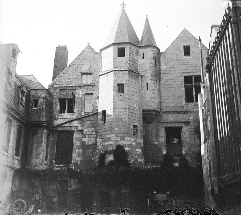 Tours, Hôtel de la Croix Blanche