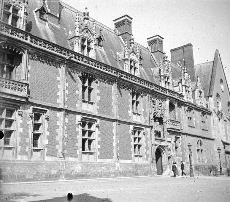 Château de Blois, intérieur façade Louis XII