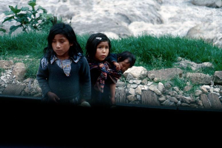 Fillettes péruviennes