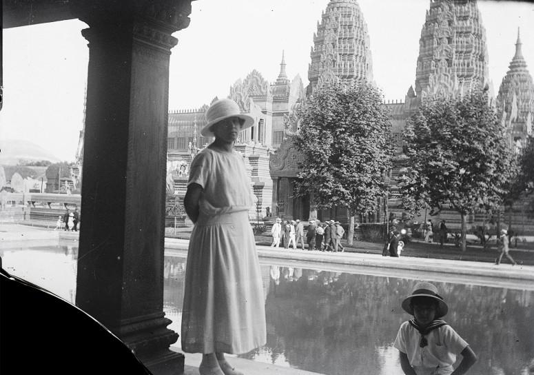 Près du temple