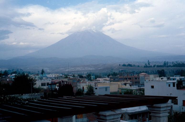 Le volcan Misti au-dessus d'Arequipa