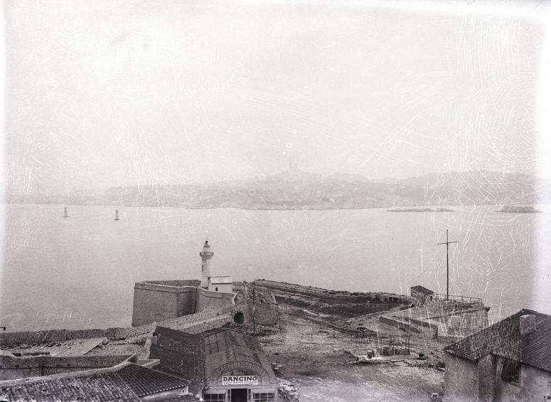 le Chateau d'If et Marseille