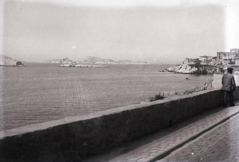 Marseille, vers l'Anse de la fausse Monnaie