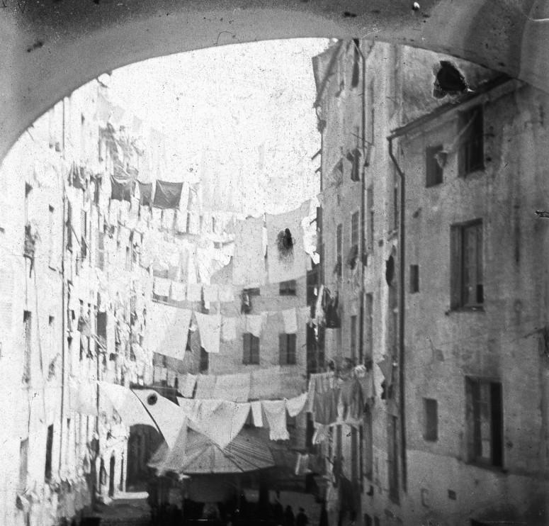 Italie - Une rue de Naple