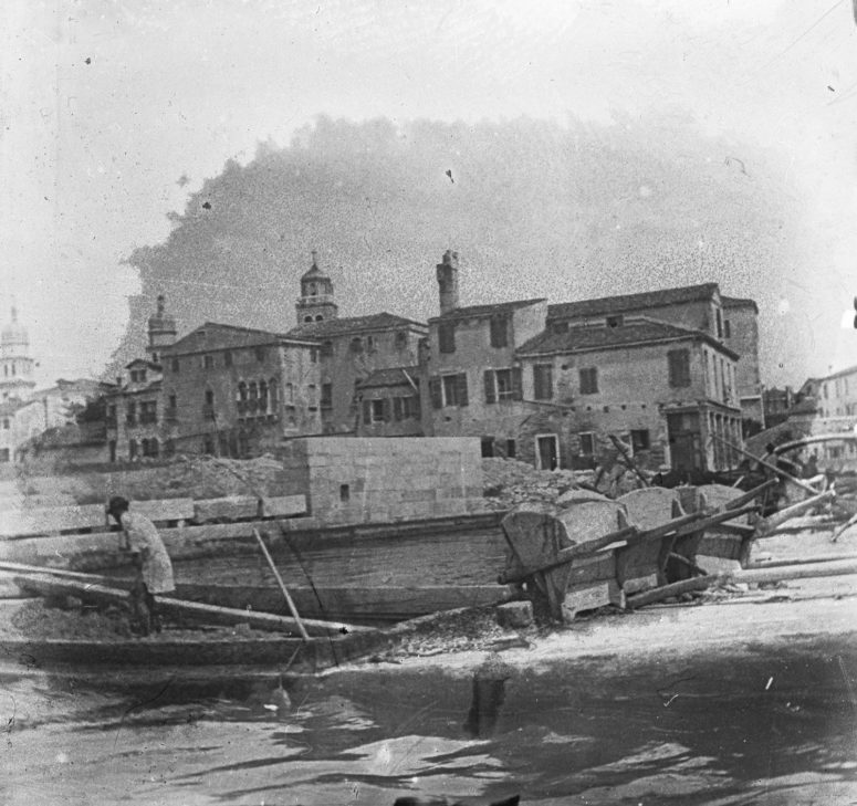 Venise - Travaux sur le port