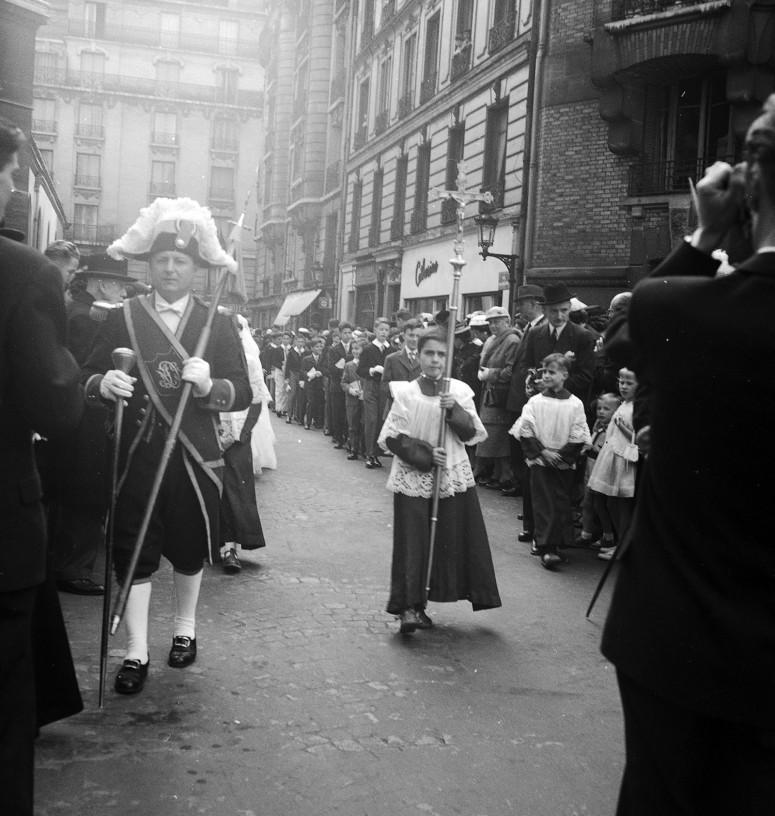 L'arrivée de la procession, la fierté du photographe