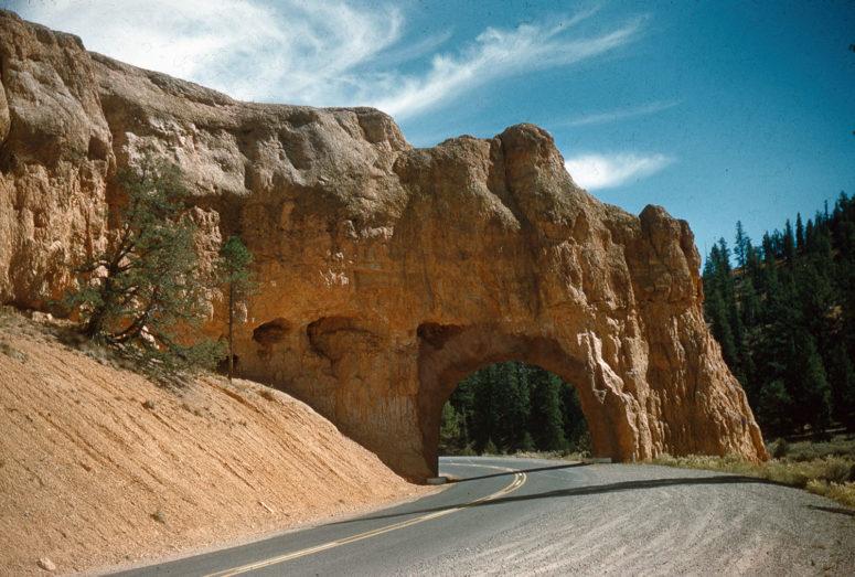 Arche sur la Route 12 - Utah, entre Brice Canyon et Red Canyon