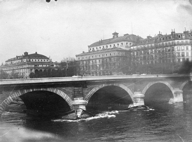 Le Pont Notre-Dame, les théâtres de la Ville et du Châtelet