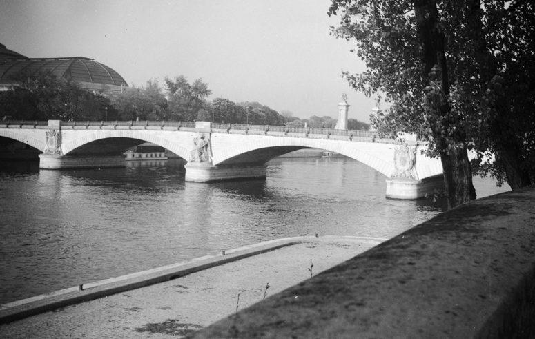 Le Pont des Invalides et le Grand Palais