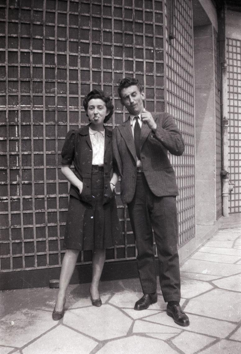 La grimace n'est pas spécialement une figure de style des années 40 !!
