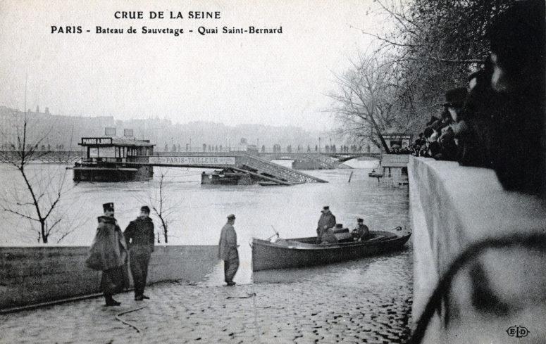 Bateau de sauvetage - Quai Saint-Bernard