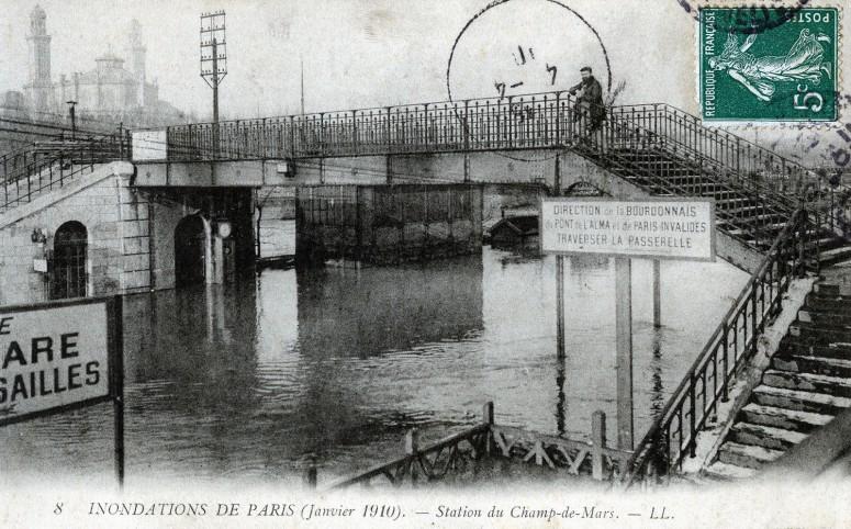 Station du Champs-de-Mars