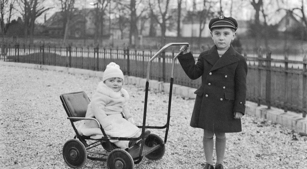 Landaus, poussettes, et autres voitures d'enfant