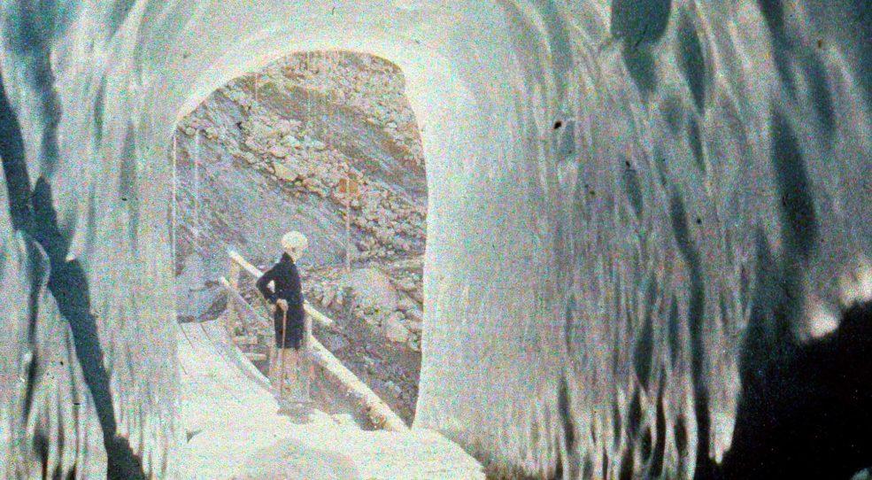 La grotte du glacier des Bossons