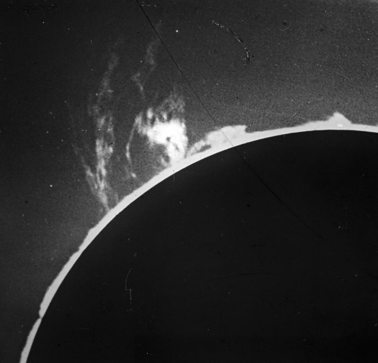 Solar Prominences - 1916, May 26 8h 6m - Evershed
