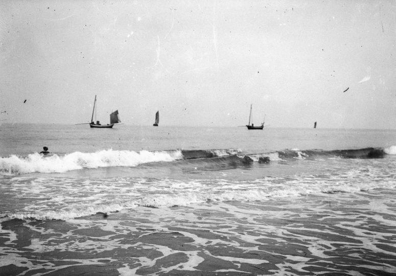 Les vagues 1900