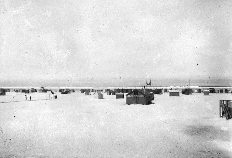 La plage 1900