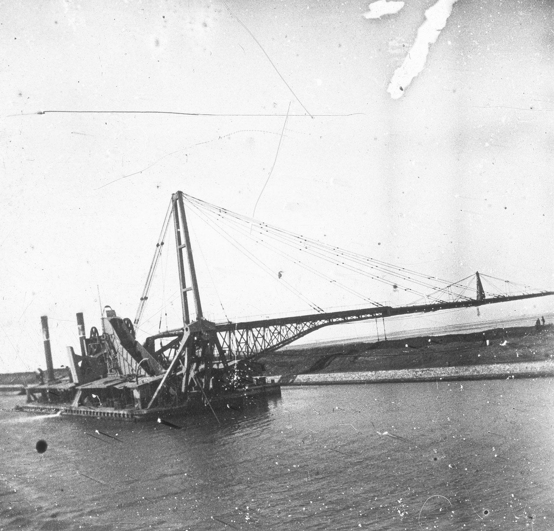 Drague Canal de Suez 8 - 6 - 1911