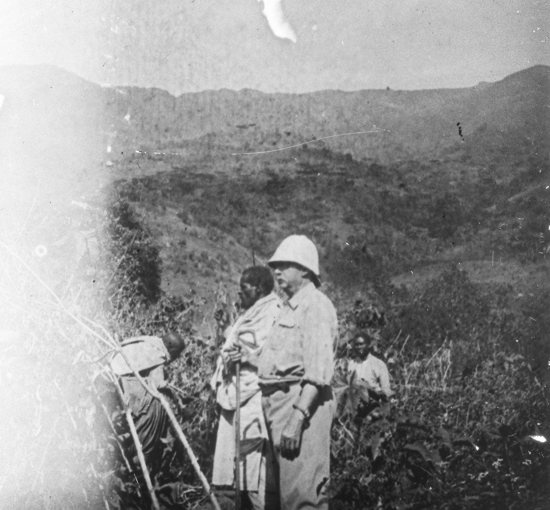 Chez Mr S. la récolte d'haricots octobre 1918