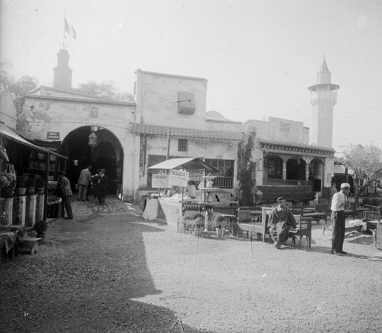 Entrée des souks tunisiens