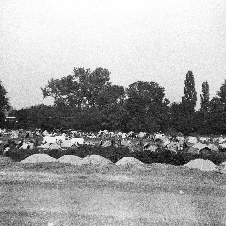 Les campeurs installés depuis la veille.