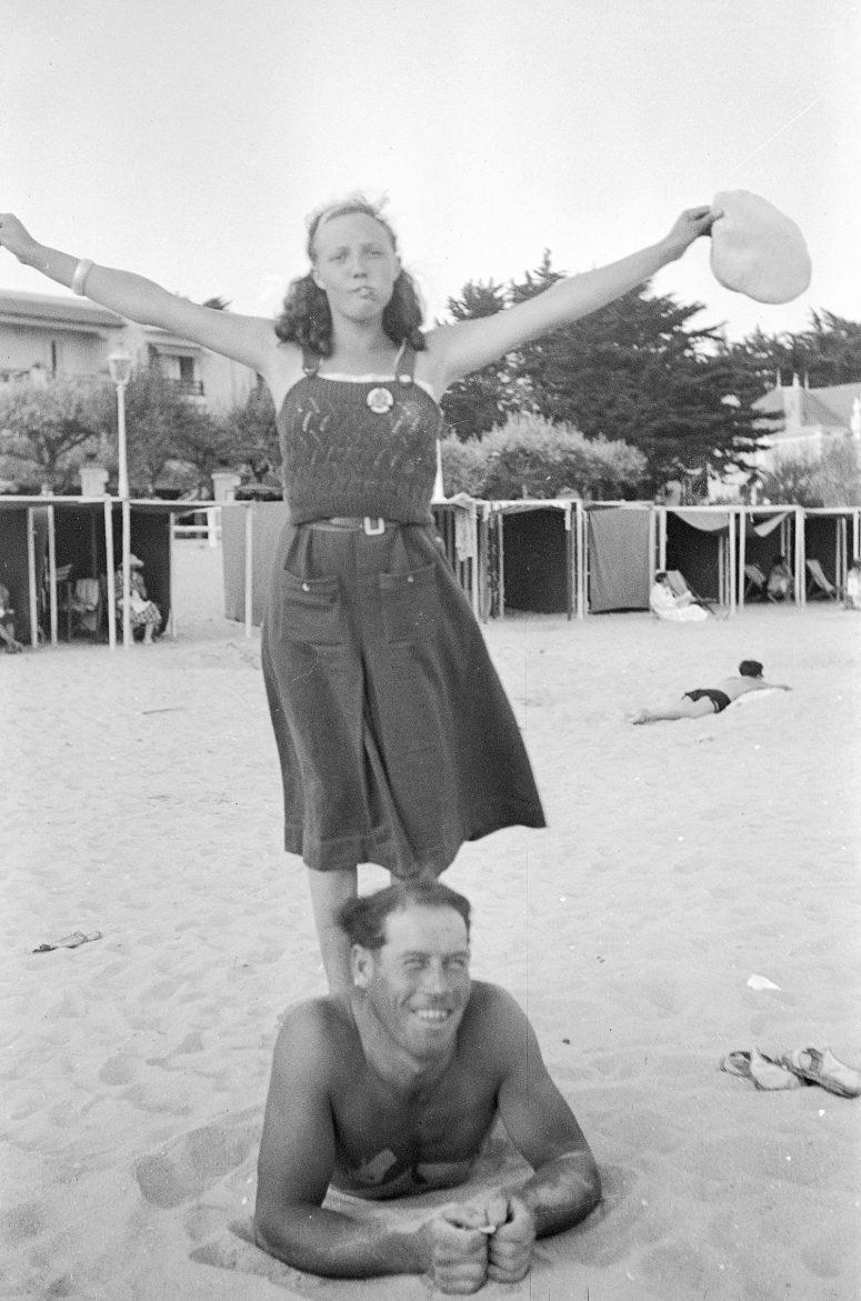 L'homme-tronc et la femme aux très longues jambes. Ou pas...