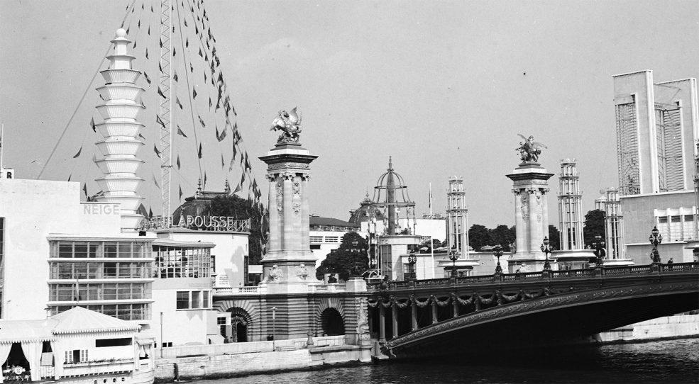 L'Exposition internationale des arts et techniques appliqués à la vie moderne, 1937